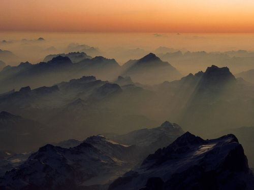 World_Austria_Misty_peaks__Alps__Austria_007841_